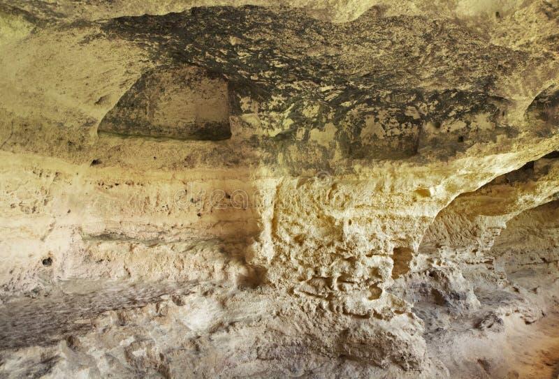 Aladzha kloster - ortodoxt kristet grottaklosterkomplex lökformig arkivfoton