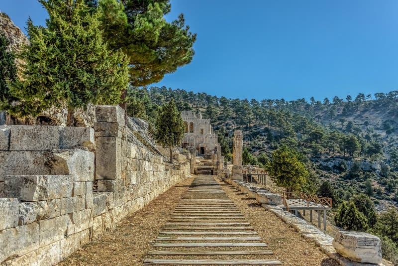 Alahan es un ?ltimo complejo eclesi?stico romano, un monastry cerca de Mersin, Anatolia, Turqu?a imagen de archivo