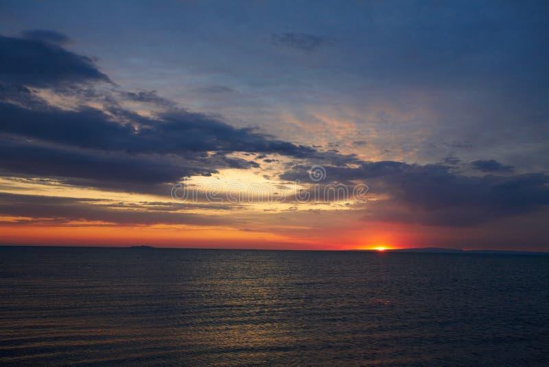Alakol Sonnenaufgang einer lizenzfreie stockfotografie