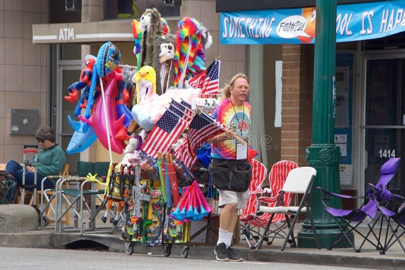 Alameda 4-ое парада 2017 в июле стоковое изображение