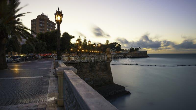 Alameda Apodaca promenad Cadiz Spanien royaltyfria foton