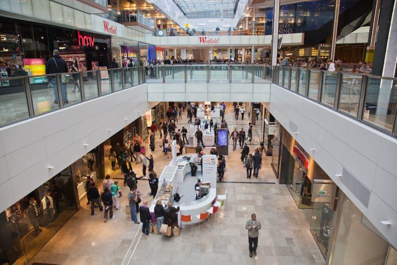 Alameda de compras al aire libre foto de archivo libre de regalías