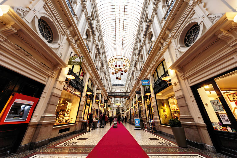 Alameda de compras de De Passage imagen de archivo
