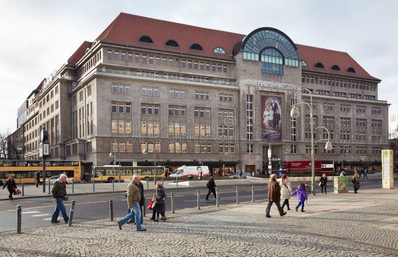 Alameda de compras de Kadewe en Berlín foto de archivo libre de regalías
