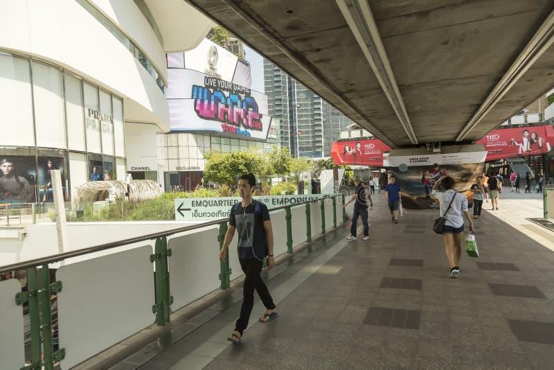 Alameda de compras del emporio en Bangkok imagenes de archivo