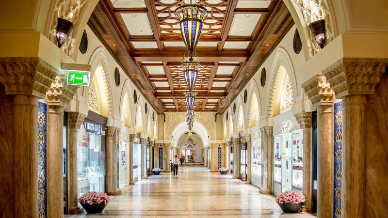 Alameda de Dubai nos UAE Esta é a alameda a maior em Dubai fotografia de stock