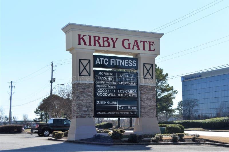 Alameda de Kirby Gate Shopping Plaza e de tira, Memphis, TN fotos de stock