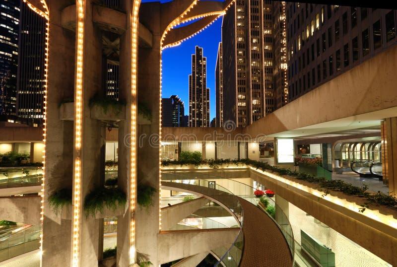 Alameda e arranha-céus de compra em San Francisco imagem de stock royalty free