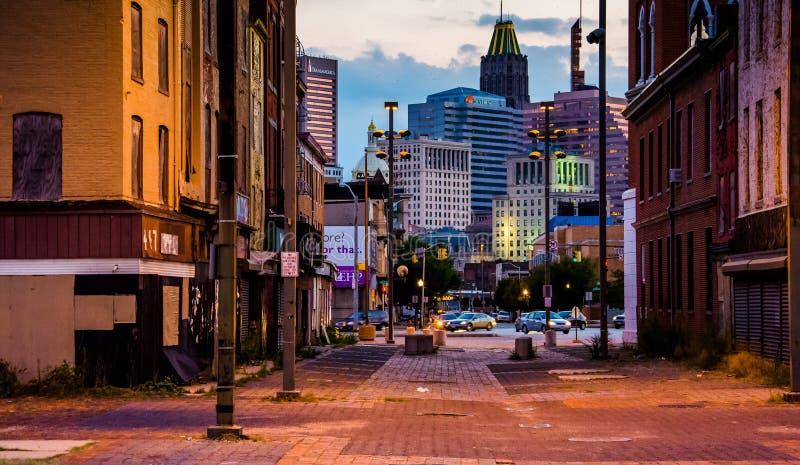 Alameda velha da cidade e vista das construções em Baltimore, Maryland imagem de stock royalty free