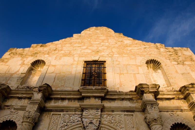 Alamo tegen een heldere blauwe hemel royalty-vrije stock foto