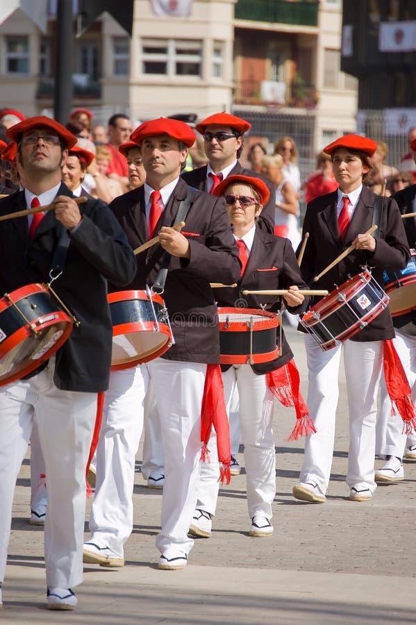 Download Alarde Van San Marcial In Iru'n Guipuzcoa, Spanje Redactionele Foto - Afbeelding bestaande uit rood, baretten: 54086911