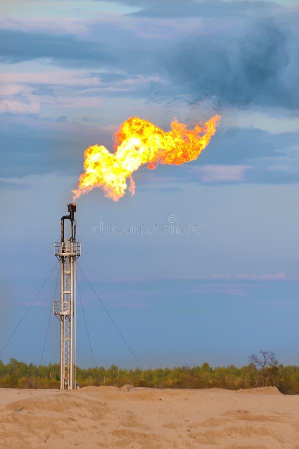 Alargamento do gás de petróleo fotografia de stock