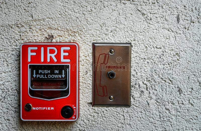 Alarma de incendio roja foto de archivo