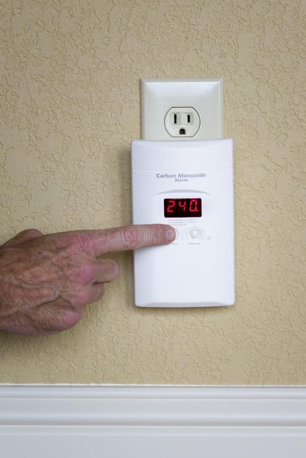 Alarma montada en la pared del monóxido de carbono imagen de archivo libre de regalías