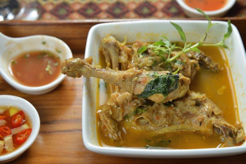 Alas de pollo del curry de la cocina de Myanmar foto de archivo libre de regalías