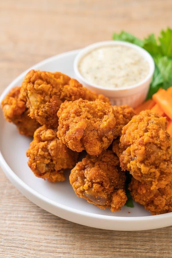 alas de pollo picantes fritas foto de archivo libre de regalías