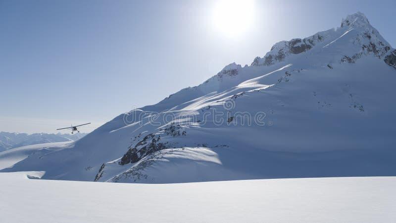 Alaska Flightseeing im Winter lizenzfreies stockbild