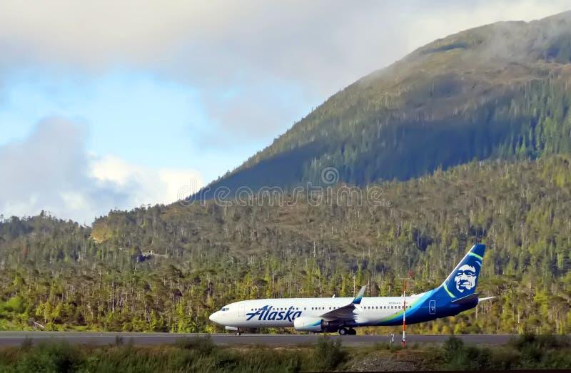 Alaska-Fluglinie mit szenischer Ansicht stockfotografie