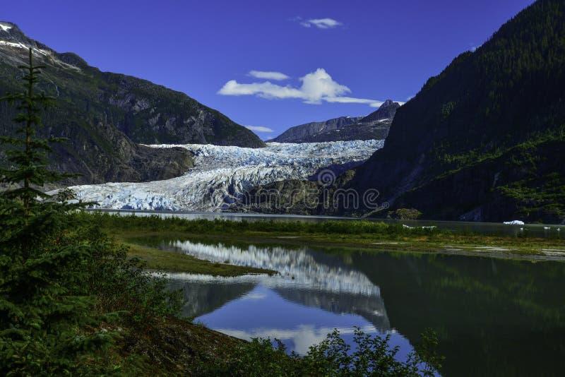 alaska glaciärjuneau mendenhall royaltyfri bild