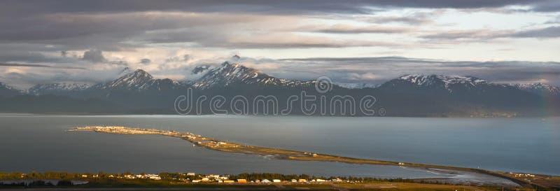 Alaska - Homer spottar på solnedgångpanoramat royaltyfria foton