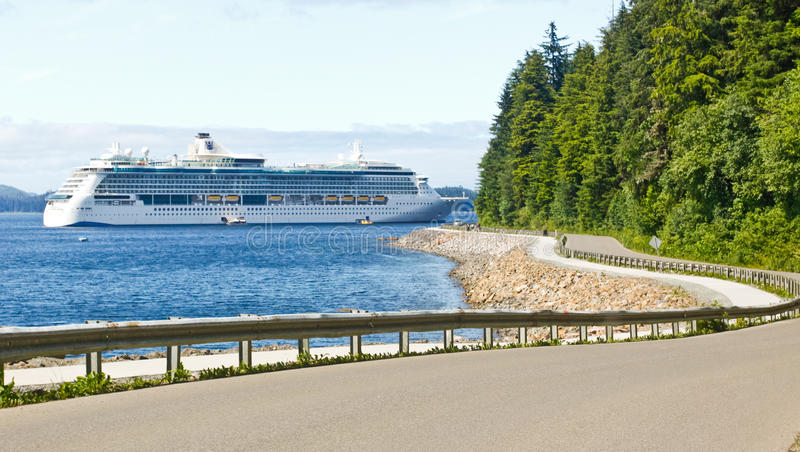 Alaska Hoonah Road to Icy Strait Point Cruise Ship
