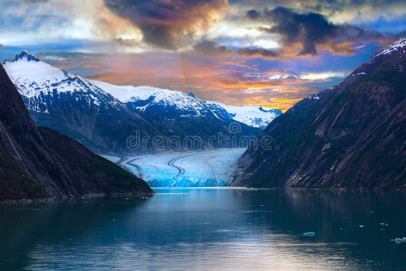 Alaska lodowiec Pod Żywym wschód słońca zdjęcia stock