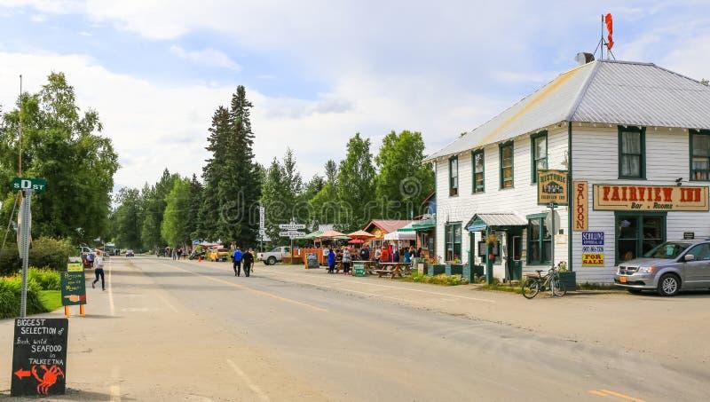 Alaska norr Main Street i stadens centrum Talkeetna royaltyfri fotografi