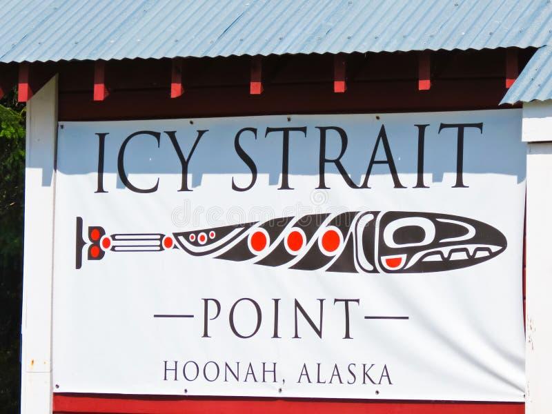 Alaska pekar den Icy straiten undertecknar royaltyfri foto