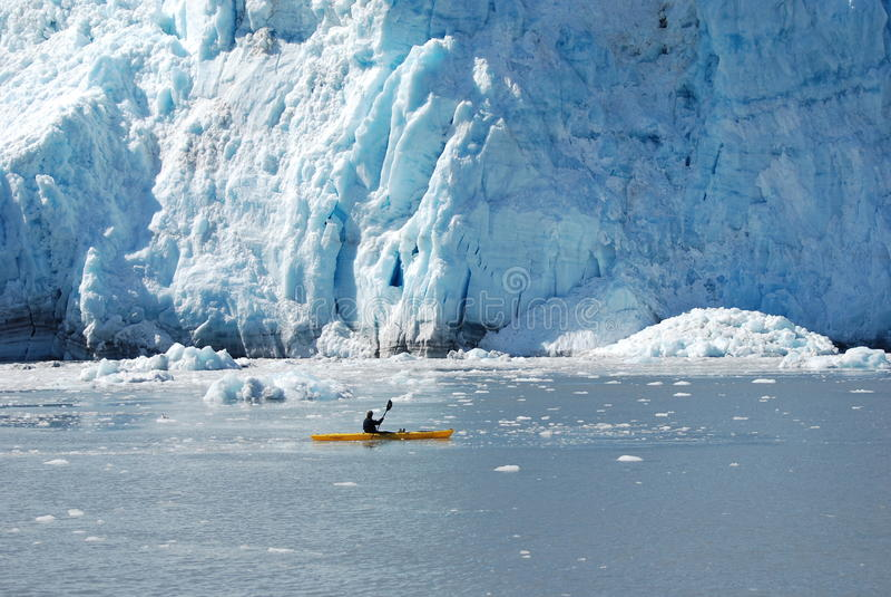 alaska som kayaking royaltyfri bild