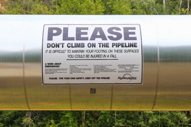 Alaska- - Trans-Alaska-Rohrleitungs-Sicherheits-Warnzeichen stockbild