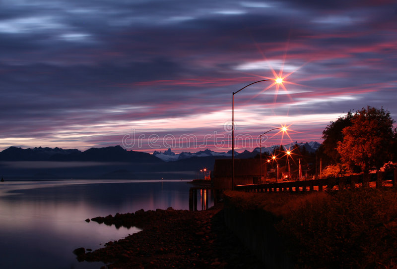 alaskabo natt fotografering för bildbyråer