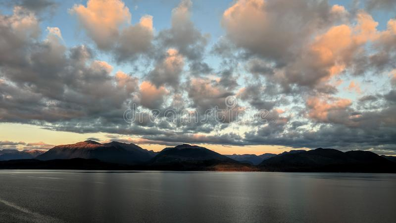 Alaskan sunset no. 4 Cruising down the inner passage royalty free stock photos