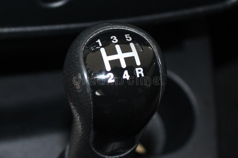Alavanca de engrenagem do carro Engrenagem manual do deslocamento Vara do deslocamento de engrenagem do carro imagens de stock