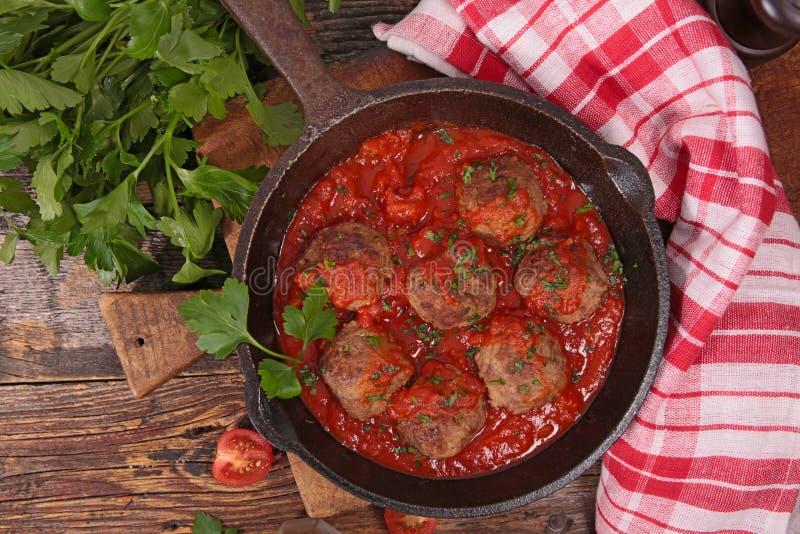 Albóndigas y salsa de tomate imágenes de archivo libres de regalías