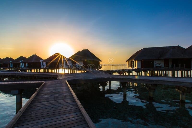Alba Ad Una Località Di Soggiorno Maldive Di Quattro Stagioni A Kuda ...