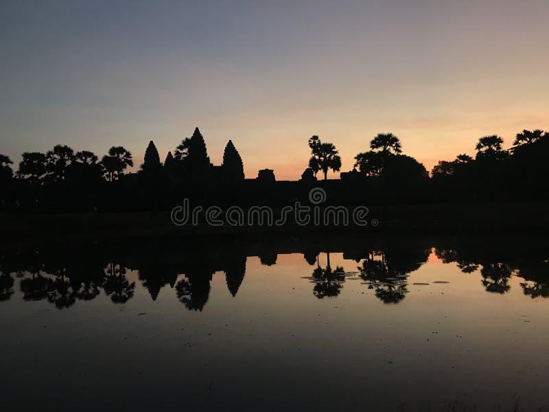 Alba al tempiale del wat di angkor, Cambogia fotografia stock libera da diritti