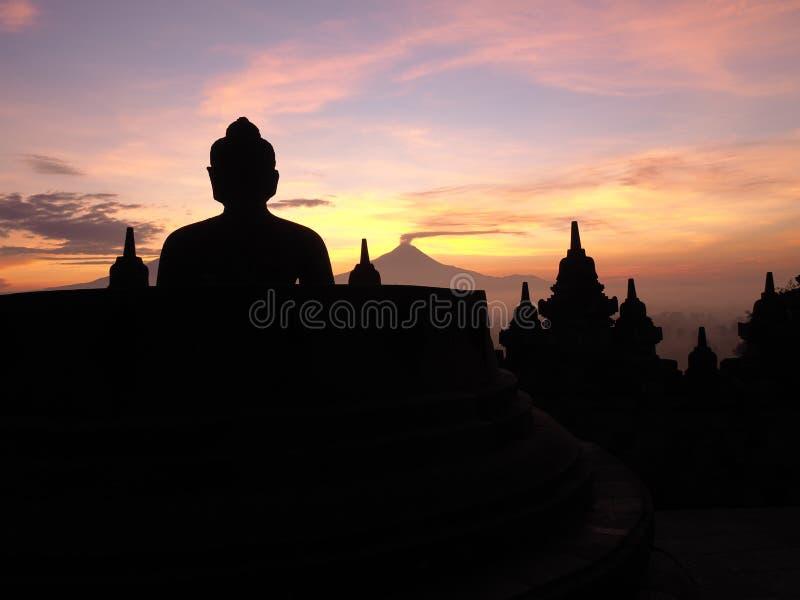 Alba al tempio del borobudur fotografie stock libere da diritti