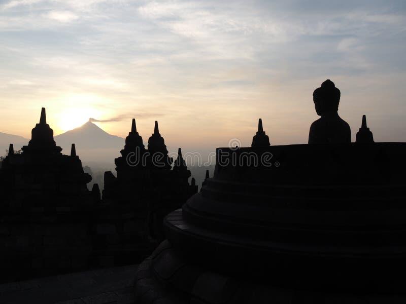 Alba al tempio del borobudur fotografia stock libera da diritti