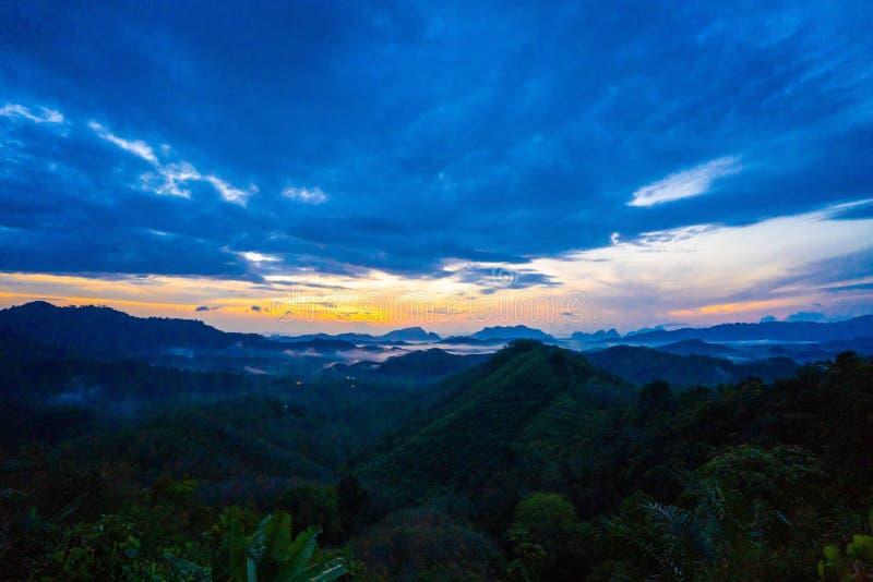 Alba alla provincia di nga di Tun Viewpoint Phang di tum di Phu fotografia stock