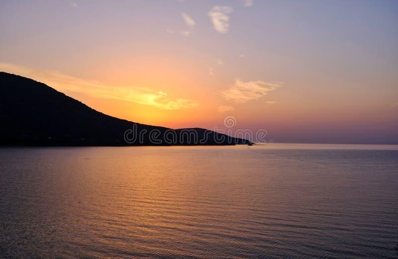 Alba arancio radiante, Grecia immagini stock