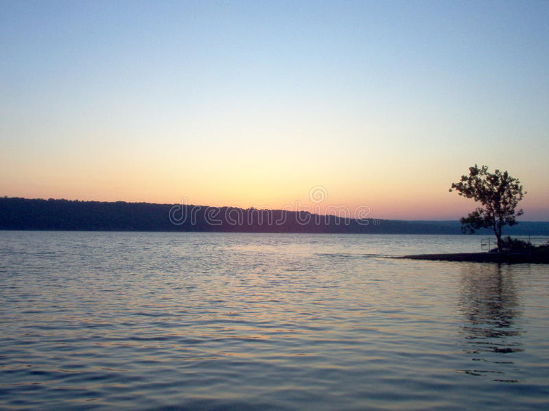 Alba del lago immagine stock