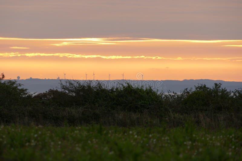 Alba del parco eolico fotografia stock libera da diritti