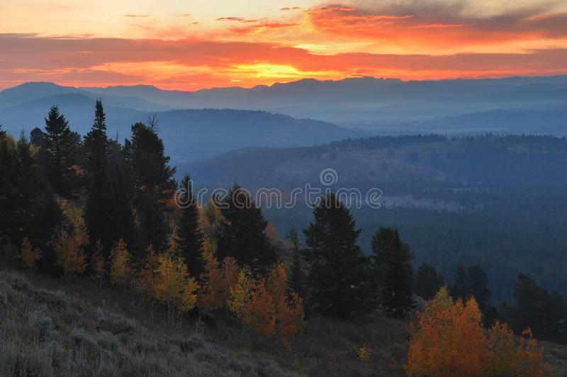 Alba della montagna del segnale, il Tetons fotografia stock libera da diritti