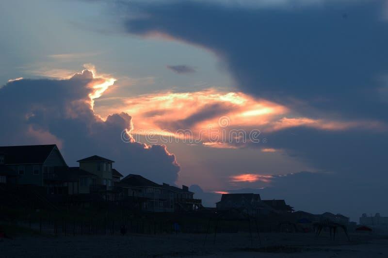Alba della spiaggia, Emerald Isle immagini stock libere da diritti