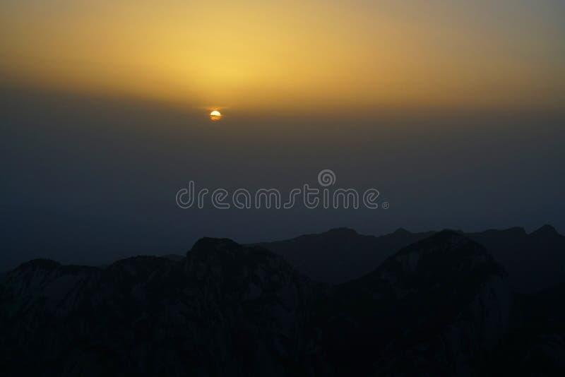 Alba di Huashan della montagna fotografia stock