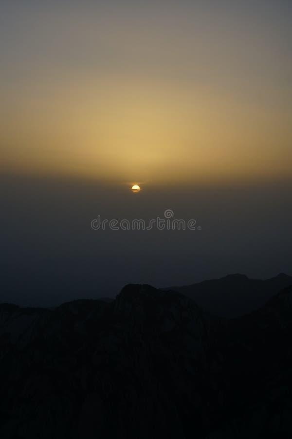 Alba di Huashan della montagna immagini stock