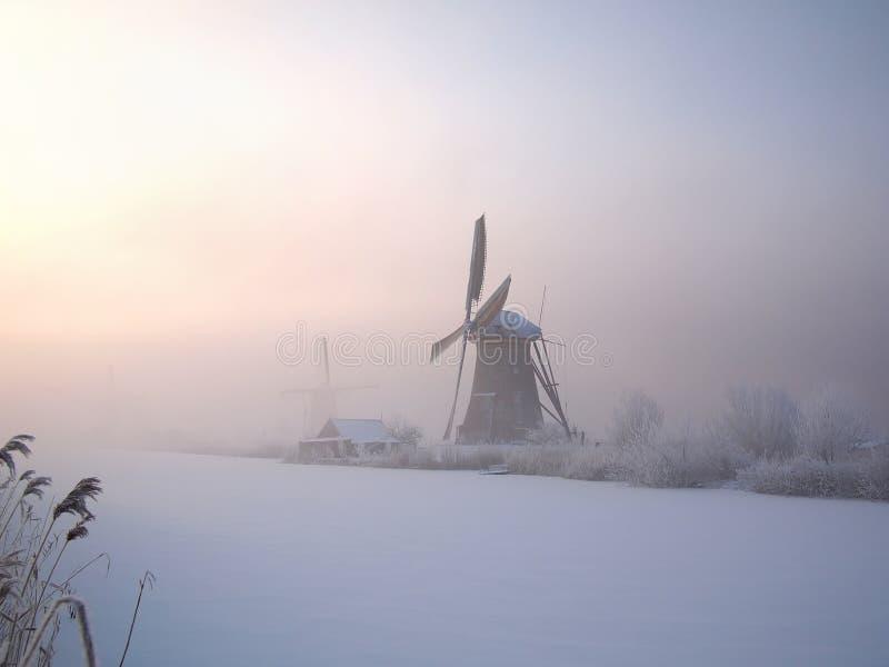 Alba di inverno in Olanda immagini stock