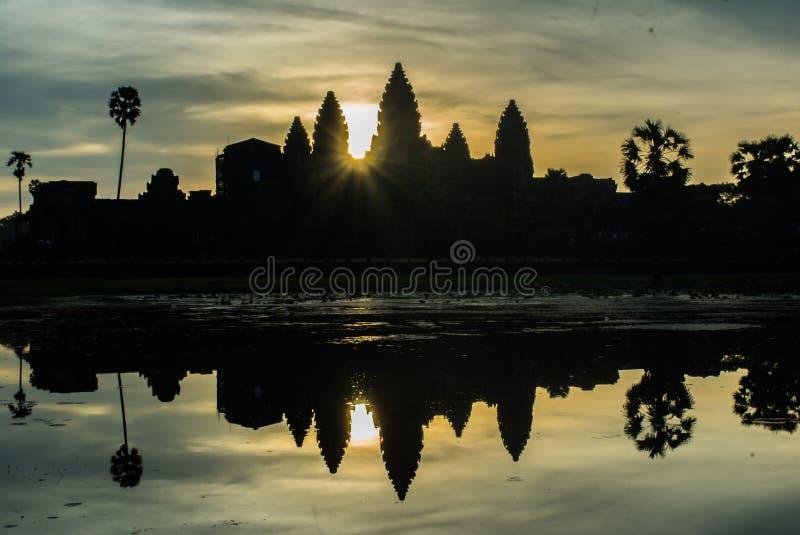 Alba di mattina a Angkor Wat immagini stock libere da diritti