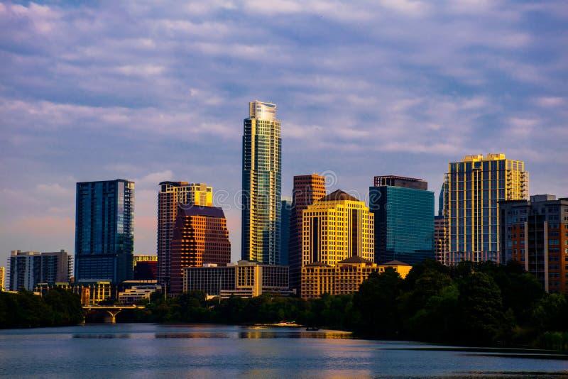 Alba di mattina di paesaggio urbano dell'orizzonte di Austin il Texas immagini stock libere da diritti