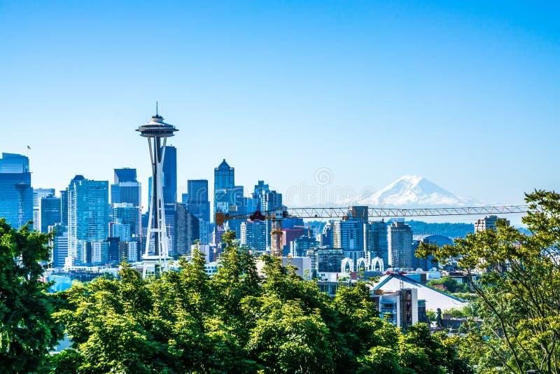 Alba di primo mattino dell'orizzonte della città di Seattle Washington immagine stock libera da diritti